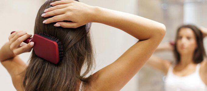 Qual è la riga dei capelli più adatta per te? Scopri dei modi rapidi per avere una nuova acconciatura!